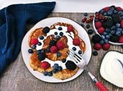 Pancakes mit Joghurt und Beeren (3)