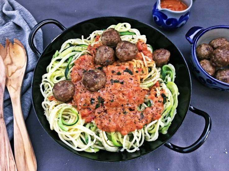 Spaghetti mit Fleischbaellchen (2)